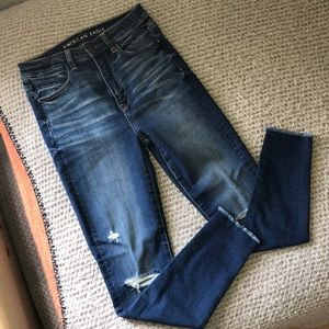 American Eagle HW Distressed Jeans Size 4 Short!